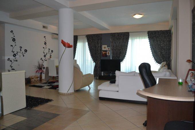 vanzare Apartament Mamaia Nord cu 2 camere, cu 1 grup sanitar, suprafata utila 90 mp. Pret: 90.000 euro negociabil. Incalzire: Centrala proprie a locuintei. Racire: Aer conditionat.