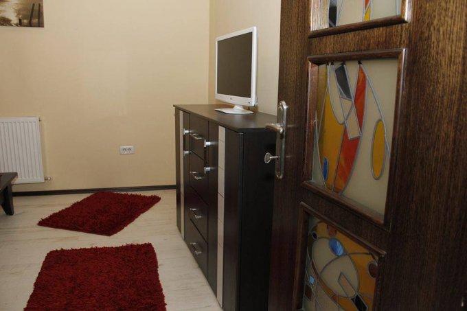Apartament de vanzare in Constanta cu 2 camere, cu 1 grup sanitar, suprafata utila 60 mp. Pret: 55.000 euro. Usa intrare: Metal.
