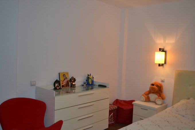 Apartament inchiriere Constanta 2 camere, suprafata utila 58 mp, 1 grup sanitar, 1  balcon. 350 euro negociabil. Etajul 5 / 8. Destinatie: Rezidenta, Birou, Vacanta. Apartament Baba Novac Constanta