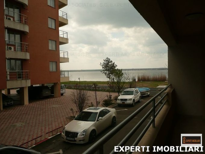 vanzare Apartament Mamaia cu 2 camere, cu 1 grup sanitar, suprafata utila 66 mp. Pret: 80.000 euro. Incalzire: Centrala proprie a locuintei. Racire: Aer conditionat.