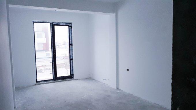 vanzare Apartament Mamaia Nord cu 2 camere, cu 1 grup sanitar, suprafata utila 53 mp. Pret: 52.000 euro. Incalzire: Centrala proprie a locuintei. Racire: Aer conditionat.