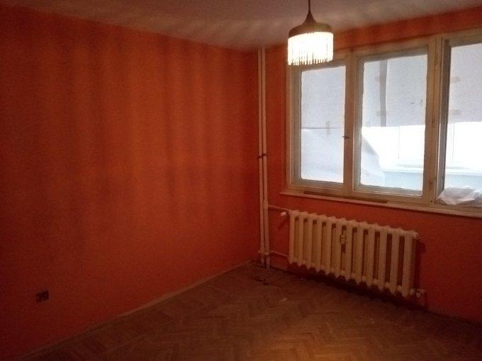 Apartament de vanzare direct de la proprietar, in Constanta, in zona Tomis 1, cu 49.000 euro. 1  balcon, 1 grup sanitar, suprafata utila 49 mp.