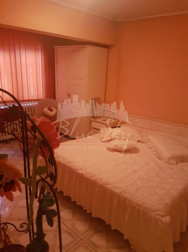 Apartament vanzare Faleza Nord cu 2 camere, la Parter, 1 grup sanitar, cu suprafata de 60 mp. Constanta, zona Faleza Nord.