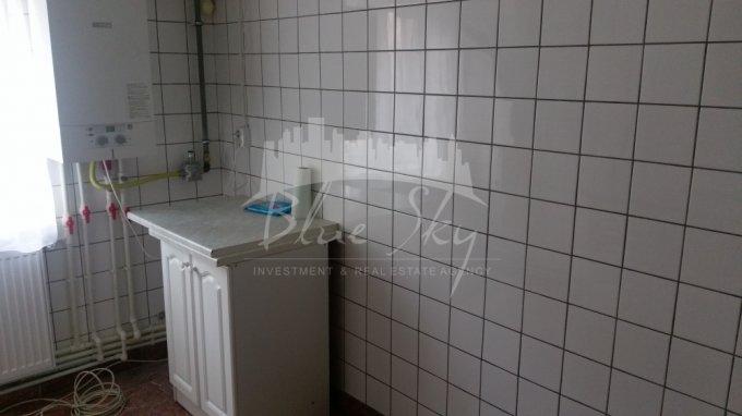 Apartament inchiriere Constanta 2 camere, suprafata utila 68 mp, 1 grup sanitar. 240 euro negociabil. Etajul 2. Apartament ICIL Constanta