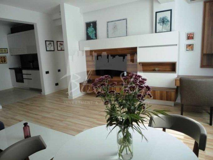 Apartament de inchiriat direct de la agentie imobiliara, in Constanta, in zona Tomis 3, cu 550 euro negociabil. 1 grup sanitar, suprafata utila 60 mp.