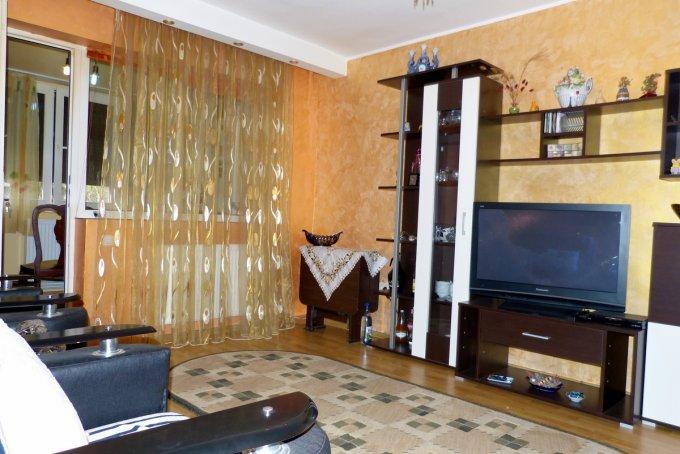 Apartament de inchiriat direct de la agentie imobiliara, in Constanta, in zona Tomis Nord, cu 250 euro. 1 grup sanitar, suprafata utila 50 mp. Mobilat modern.