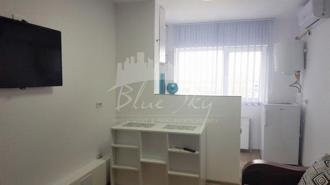 Apartament de inchiriat direct de la agentie imobiliara, in Constanta, in zona Faleza Nord, cu 300 lei negociabil. 1 grup sanitar, suprafata utila 60 mp.