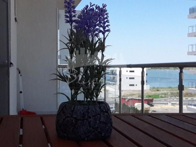 Apartament vanzare Statiunea Mamaia cu 2 camere, etajul 3, 1 grup sanitar, cu suprafata de 66 mp. Constanta, zona Statiunea Mamaia.