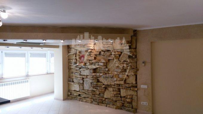 Apartament de inchiriat in Constanta cu 2 camere, cu 1 grup sanitar, suprafata utila 74 mp. Pret: 350 euro negociabil.