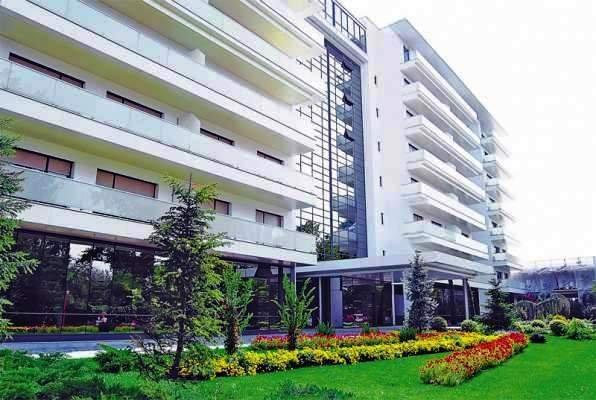 vanzare Apartament Mamaia cu 2 camere, cu 2 grupuri sanitare, suprafata utila 91 mp. Pret: 350.000 euro. Incalzire: Centrala proprie a locuintei.