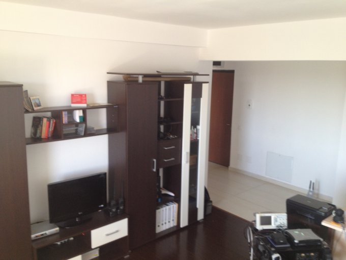 Apartament inchiriere Constanta 2 camere, suprafata utila 57 mp, 1 grup sanitar, 1  balcon. 350 euro negociabil. La Parter / 4. Destinatie: Rezidenta, Vacanta. Apartament Tomis Plus Constanta