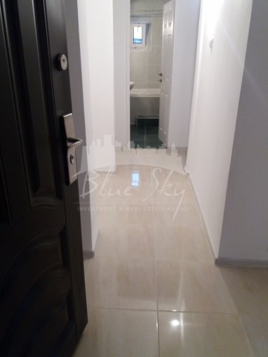 Apartament vanzare Constanta 2 camere, suprafata utila 68 mp, 1 grup sanitar. 76.000 euro negociabil. Etajul 3. Apartament Trocadero Constanta