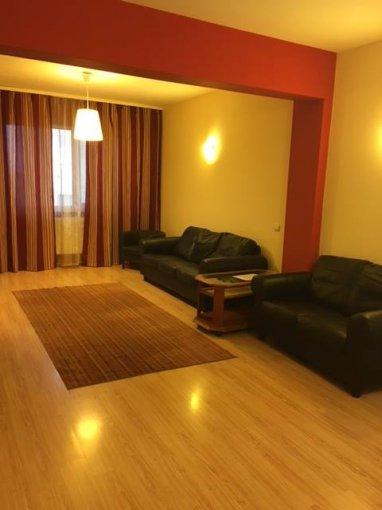 Apartament de inchiriat direct de la proprietar, in Constanta, in zona Tomis Plus, cu 300 euro. 1  balcon, 1 grup sanitar, suprafata utila 66 mp. Mobilat modern.