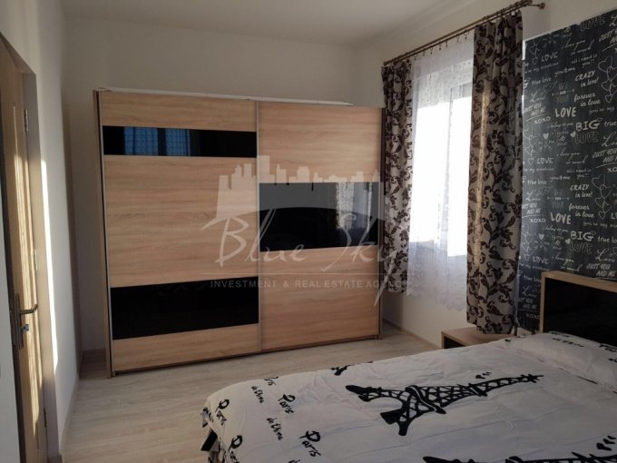 Apartament de inchiriat direct de la agentie imobiliara, in Constanta, in zona Tomis Nord, cu 300 euro negociabil. 1 grup sanitar, suprafata utila 51 mp.