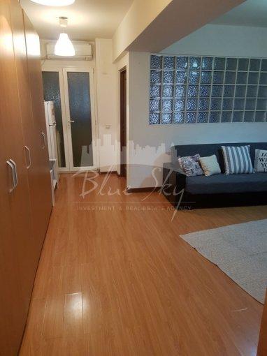Apartament inchiriere Constanta 2 camere, suprafata utila 55 mp, 1 grup sanitar. 300 euro negociabil. Etajul 6. Apartament Tomis Nord Constanta