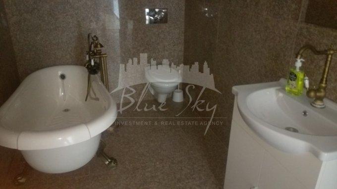 Apartament vanzare cu 2 camere, etajul 8, 1 grup sanitar, cu suprafata de 86 mp. Constanta.