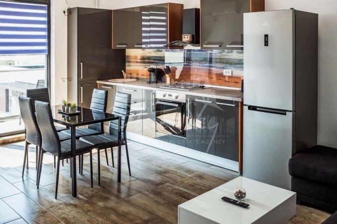 Apartament vanzare Constanta 2 camere, suprafata utila 62 mp, 1 grup sanitar. 80.000 euro negociabil. Etajul 5. Apartament Mamaia Nord Constanta