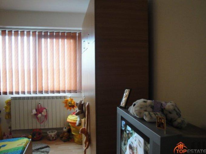 proprietar vand apartament decomandata, in zona Tomis Nord, orasul Constanta