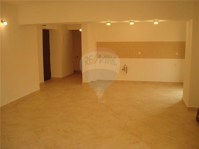 vanzare apartament cu 2 camere, decomandat, in zona Tomis 2, orasul Constanta