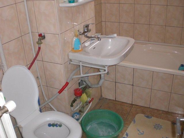 vanzare apartament cu 2 camere, decomandata, in zona Inel 2, orasul Constanta