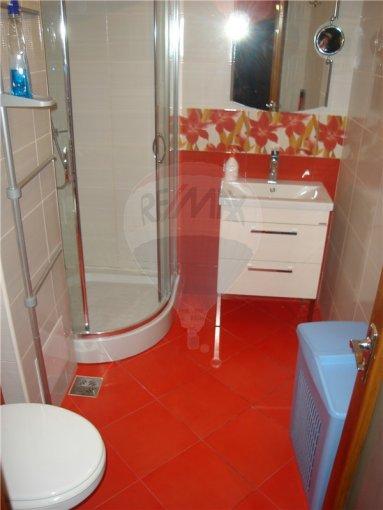 agentie imobiliara vand apartament decomandat, in zona Ferdinand, orasul Constanta