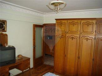 vanzare apartament cu 2 camere, decomandat, in zona Ferdinand, orasul Constanta