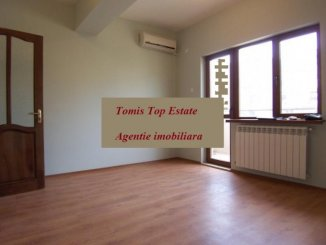 vanzare apartament cu 2 camere, decomandat, in zona Cazino, orasul Constanta