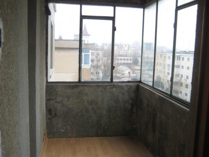 Apartament cu 2 camere de vanzare, confort Lux, zona Far,  Constanta