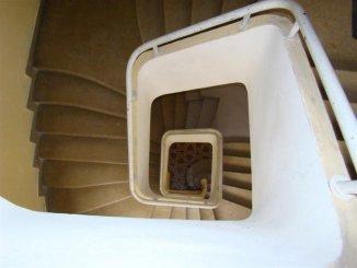 vanzare apartament cu 2 camere, nedecomandat, in zona Cazino, orasul Constanta