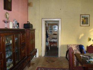 agentie imobiliara vand apartament nedecomandat, in zona Cazino, orasul Constanta