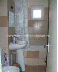 vanzare apartament cu 3 camere, semidecomandat, in zona Inel 1, orasul Constanta