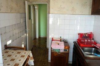 Apartament cu 3 camere de vanzare, confort 1, zona Km 4-5,  Constanta