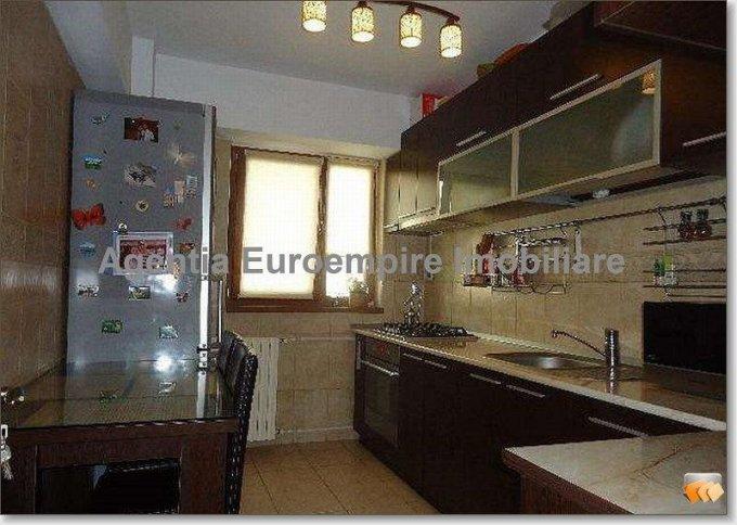 vanzare apartament decomandat, zona Inel 2, orasul Constanta, suprafata utila 70 mp