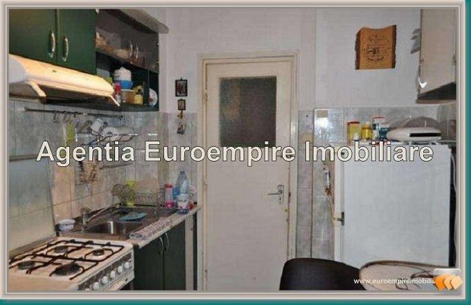 Constanta, zona Tomis 2, apartament cu 3 camere de vanzare