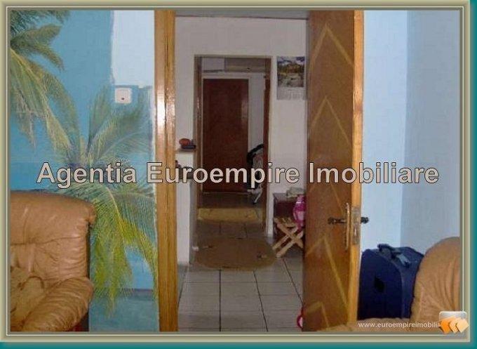 vanzare apartament decomandat, zona Faleza Nord, orasul Constanta, suprafata utila 76 mp