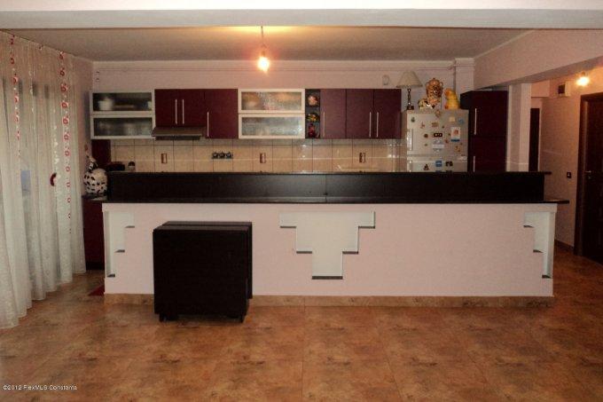 Apartament cu 3 camere de vanzare, confort 1, zona Compozitorilor,  Constanta
