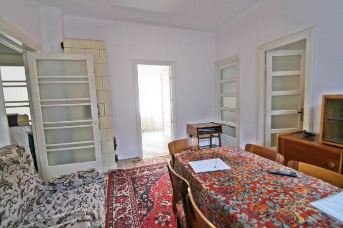 vanzare apartament semidecomandat, zona Ultracentral, orasul Constanta, suprafata utila 60 mp