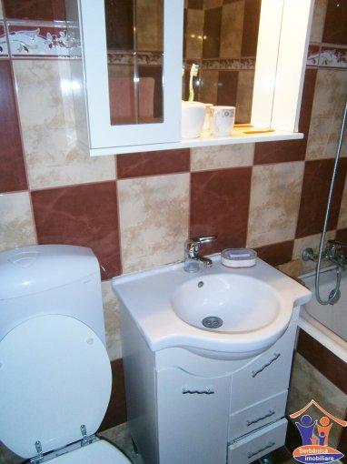 Apartament cu 3 camere de vanzare, confort 1, zona City Park Mall,  Constanta