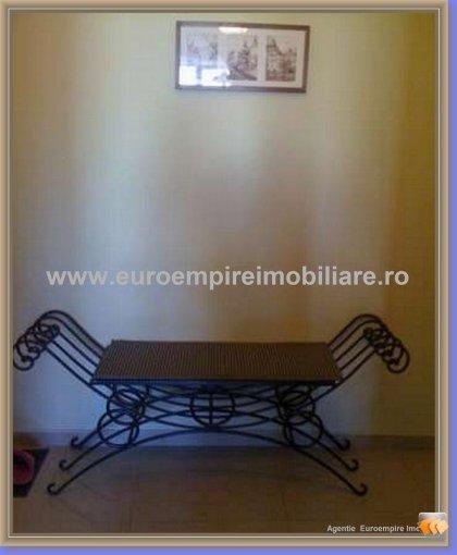 Apartament de inchiriat direct de la agentie imobiliara, in Constanta, in zona Centru, cu 400 euro. 2 grupuri sanitare, suprafata utila 72 mp.