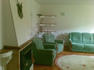 vanzare apartament cu 3 camere, decomandat, in zona Bulevard, orasul Mangalia