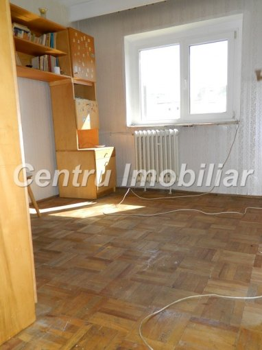 vanzare apartament decomandat, zona Dacia, orasul Constanta, suprafata utila 70 mp