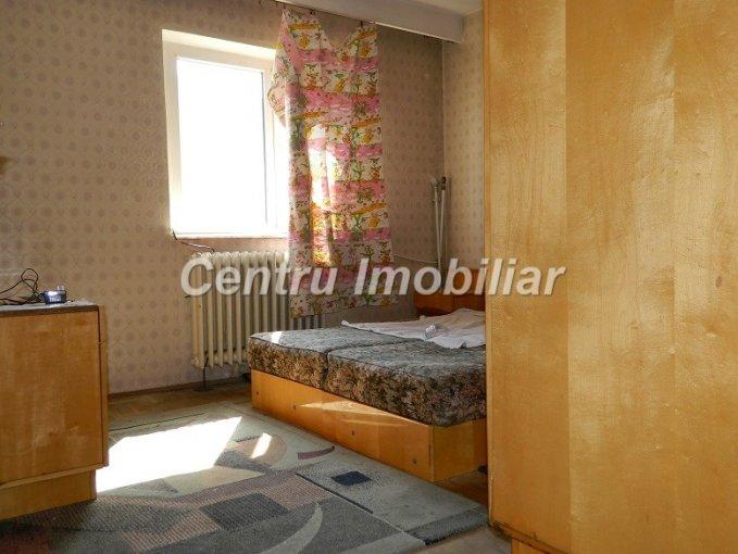 Apartament cu 3 camere de vanzare, confort 1, zona Dacia,  Constanta