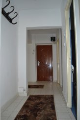 inchiriere apartament cu 3 camere, decomandat, in zona Spitalul Militar, orasul Constanta
