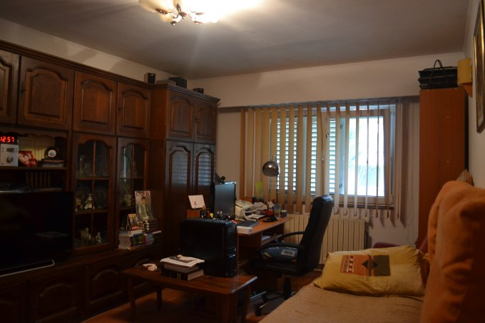 Apartament vanzare Constanta 3 camere, suprafata utila 67 mp, 2 grupuri sanitare, 1  balcon. 79.900 euro negociabil. La Parter / 4. Destinatie: Rezidenta, Birou, Vacanta. Apartament Tomis 3 Constanta
