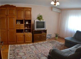 Apartament cu 3 camere de vanzare, confort 1, zona CET, Constanta