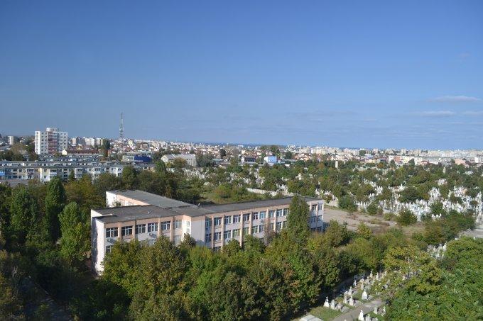 agentie imobiliara vand apartament decomandat, in zona Intim, orasul Constanta