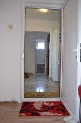 vanzare apartament cu 3 camere, decomandat, in zona Intim, orasul Constanta