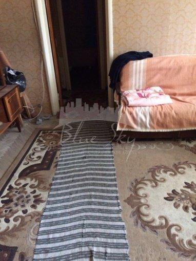 Apartament de vanzare direct de la agentie imobiliara, in Constanta, in zona Tomis 3, cu 55.000 euro negociabil. 1 grup sanitar, suprafata utila 60 mp.