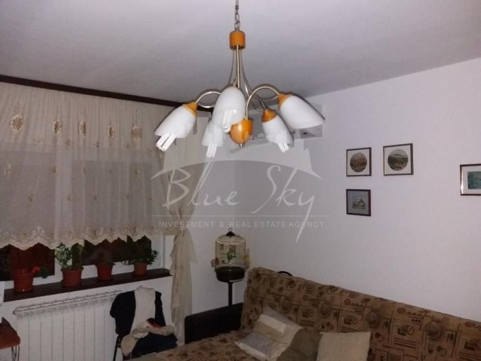 Apartament de vanzare in Constanta cu 3 camere, cu 1 grup sanitar, suprafata utila 65 mp. Pret: 60.000 euro negociabil.