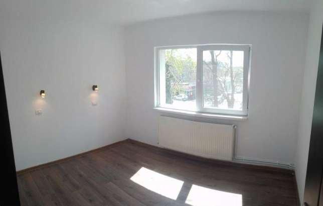 vanzare Apartament Constanta cu 3 camere, cu 1 grup sanitar, suprafata utila 54 mp. Pret: 53.500 euro. Incalzire: Centrala proprie a locuintei. Racire: Aer conditionat.